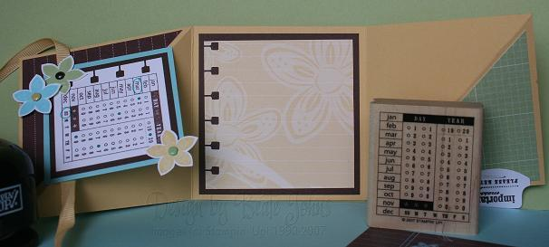office-accoutrement-trifold-open.jpg